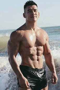 身材超好的亚洲肌肉男帅哥图片