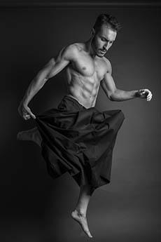 欧美肌肉男模Salvatore Mazzarella艺术照片