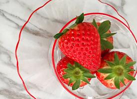 一组红红的小清新草莓图片欣赏