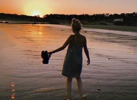 只要我能爱别人并且被别人爱,我就满足了