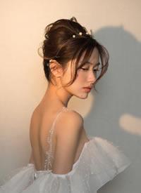 韩式甜美 明波漾起,追光游移的新娘发型