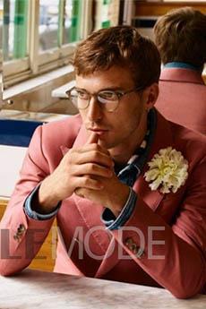 法国顶级男模眼镜帅哥迷人生活照图片