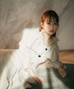 杨紫俏皮可爱写真图片