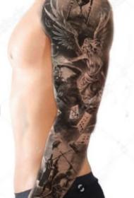 9款極致黑白色的包臂花臂帥氣紋身圖片