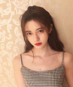 鞠婧祎吊带私服性感图片