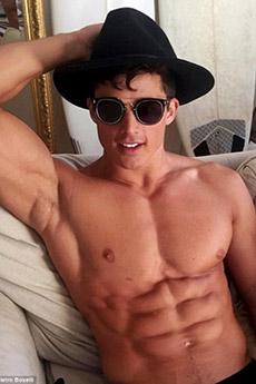性感帅哥肌肉老师彼得洛博赛利写真照片