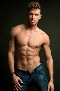 欧美男模艺术裸上半身艺术图片