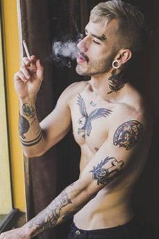 欧美帅哥纹身写真图片