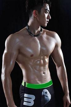中国男模肌肉帅哥的大胸肌写真图片