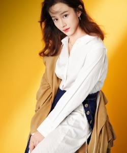 陆妍淇清新甜美写真图片