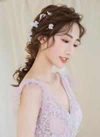 可清新灵动,可浪漫优雅搭配温馨的新娘