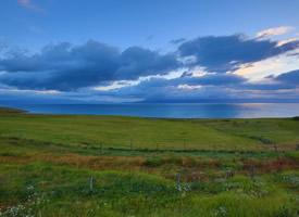新疆塞里木湖风景图片壁纸