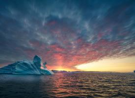 格陵蘭島冰山風景桌面壁紙