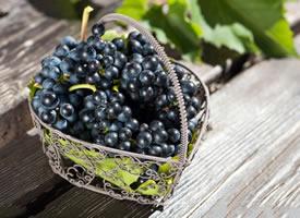 果脆個大、甜酸適口的提子水果圖片