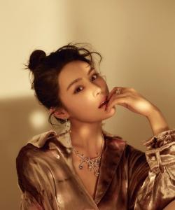 演員韓丹彤芭莎珠寶性感寫真