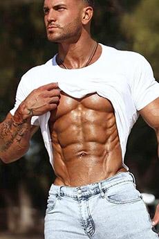 歐美腹肌型男的照片
