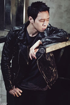 韩国大帅哥明星朴有天高清写真照片