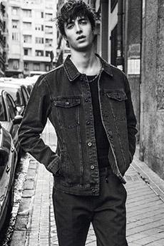 欧美高颜值男模特黑白写真照片