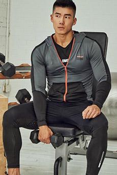 國產90后型男健身帥哥照片
