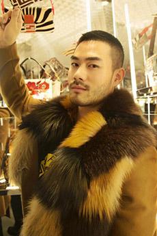 上海成熟的帅气型男照片