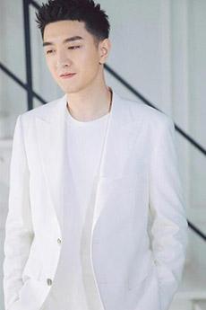 穿白西装的帅哥照片