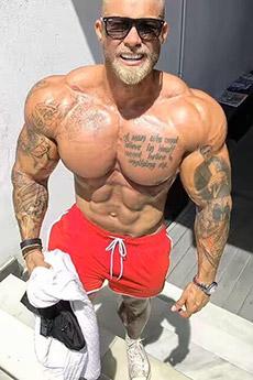 歐美健美帥哥猛男的肌肉寫真照片
