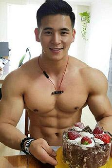 中國男模胸肌帥哥的胸大肌誘人寫真照片