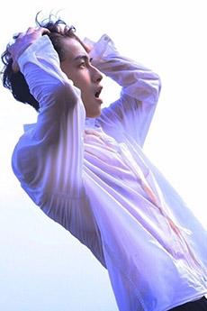 中國性感男生小鮮肉帥哥濕身藝術照片
