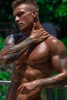 外国帅气肌肉型男性感写真照片