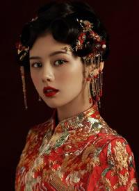 一组眉目如画的古典中式新娘造型