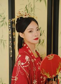一组端庄典雅的中式新娘造型欣赏