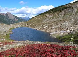 唯美迷人的湖泊風景桌面壁紙