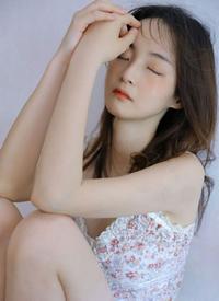 极品美女模特丰满低胸性感写真