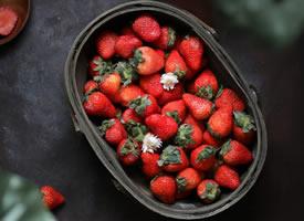 一組紅紅好吃的草莓圖片