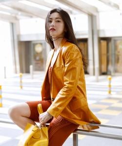 朱珠亮橘色甜酷写真图片