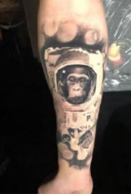 猴子紋身:好看的一組猴子猩猩主題的黑灰紋身圖案