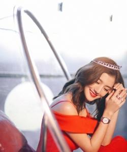 吳千語性感紅裙寫真圖片