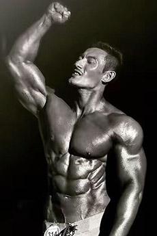 肌肉型男艺术照片