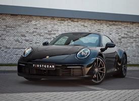 一组黑色帅气的Porsche 911  992 4