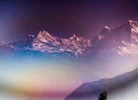 壯觀唯美的山峰景色桌面壁紙