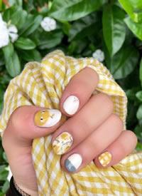 這種圓圓的短指甲美甲好可愛呀
