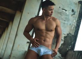 一組帥氣性感的肌肉男神圖片