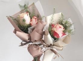 一組簡單而不失美麗的花束圖片