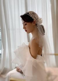 可愛與輕復古并存的新娘發型
