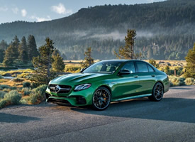 一組綠色的奔馳E63圖片欣賞