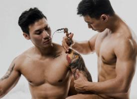 一组帅气诱人的肌肉男图片