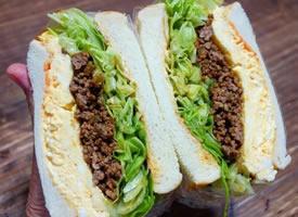 一组厚切料多的三明治图片欣赏