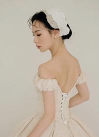 一组简约气质经典复古新娘造型图片