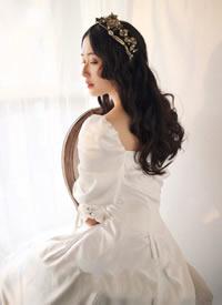 最美法式珍珠新娘發型增加了幾分少女的羞澀感