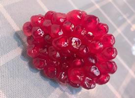一粒粒晶瑩剔透像寶石一般誘人的石榴